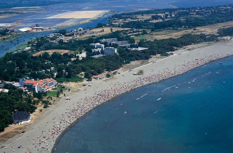 Два пляжа в Черногории получили четверку, остальные — пятерку