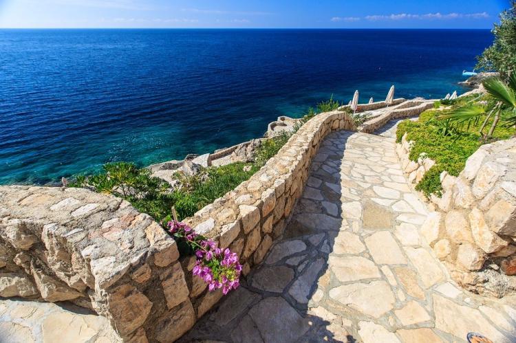 Двухкомнатная квартира в черногории купить