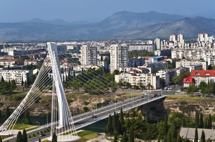 В Черногории курит каждый третий взрослый