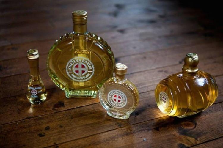 Ссамого начала года в РФ упали продажи алкоголя
