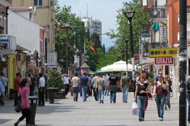 Жители России стали лидерами поколичеству турпоездок вЧерногорию