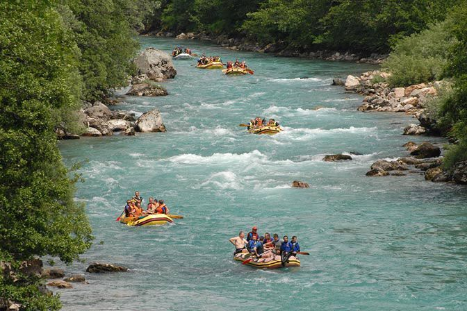 Рафтинг на реке Тара. Фото: Facebook, White Water Rafting Tara River Montenegro